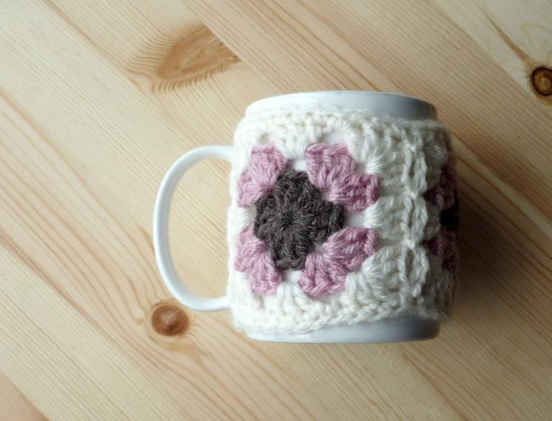 FREE Crochet Mug Cozy Patterns on Craftsy   Patrones, Croché y Nombres