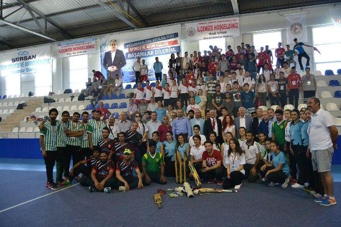 """Büyükler Salon Kriket Şampiyonası Alaçam'da başladı: Türkiye'de ilk kez düzenlenen """"Büyükler Salon Kriket Şampiyonası"""" #Samsun'un Alaçam…"""