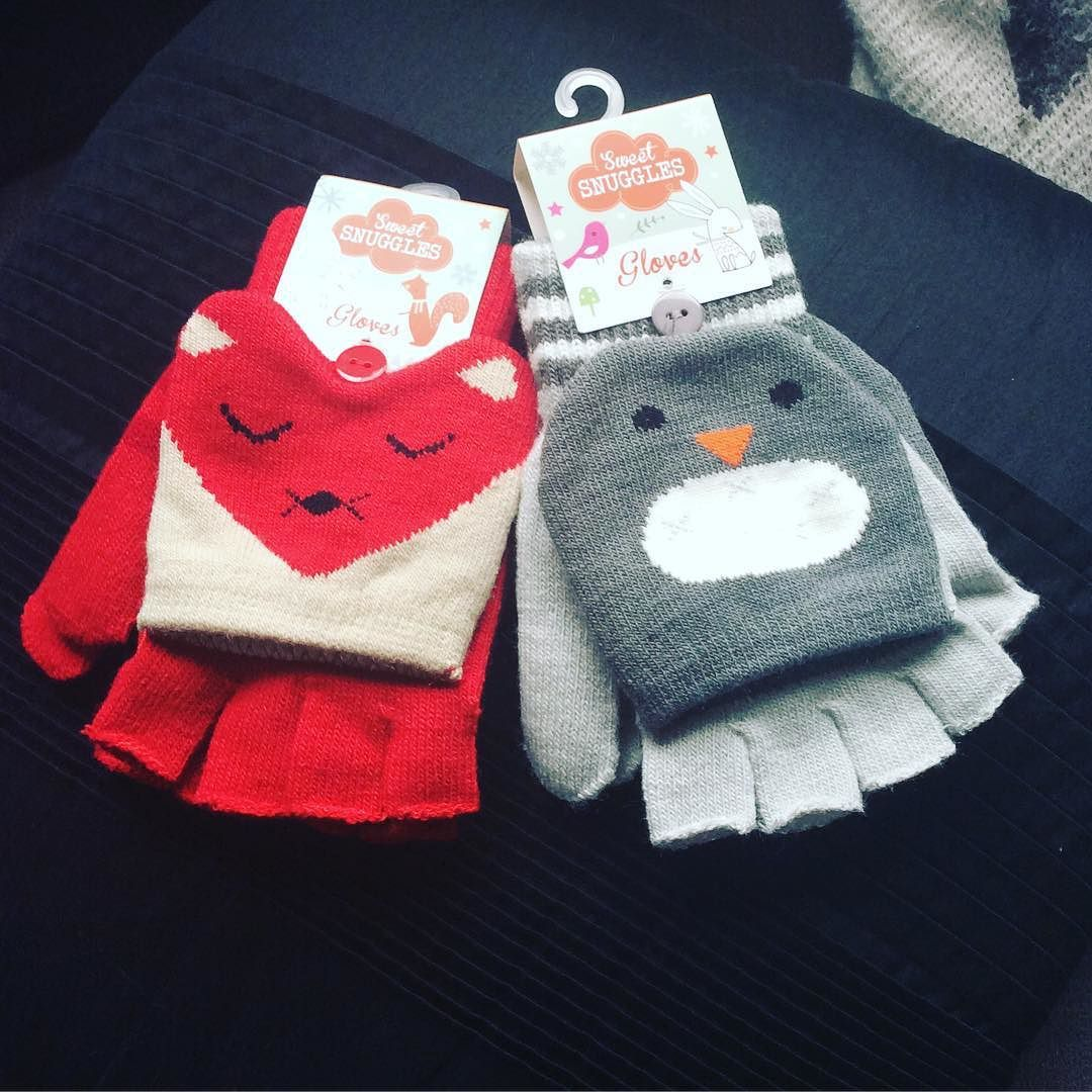 Cute winter gloves for my two little ones; aren't they adorable?! Half price at Superdrug @superdrugloves at the moment #gloves #fox #penguin #warm #winter #cold #hands #parenting #mums
