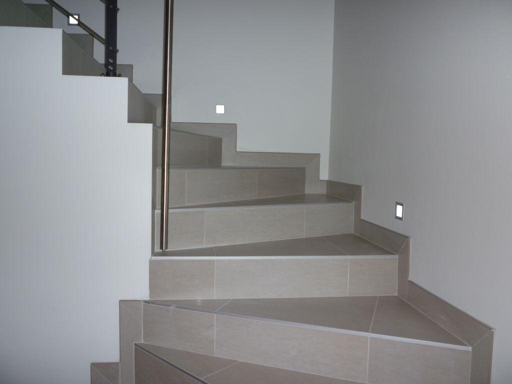 Escalier Avec Leds Escalier Carrele Escalier Carrelage Plinthe Escalier