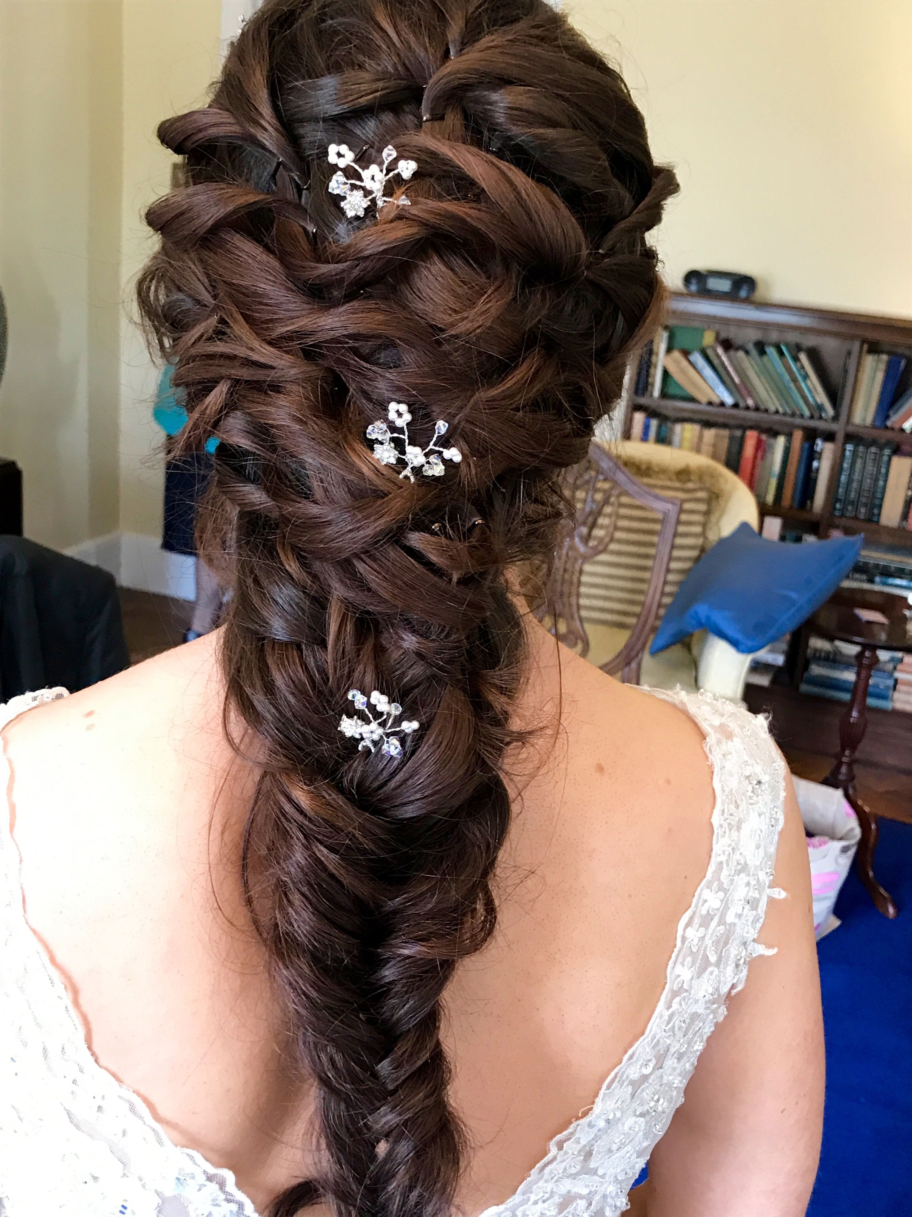 romantic plaits for the bride | fryzury ślubne in 2019