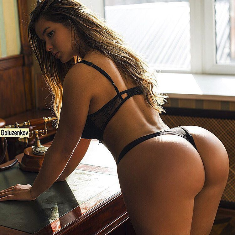 Super hot nude curvy