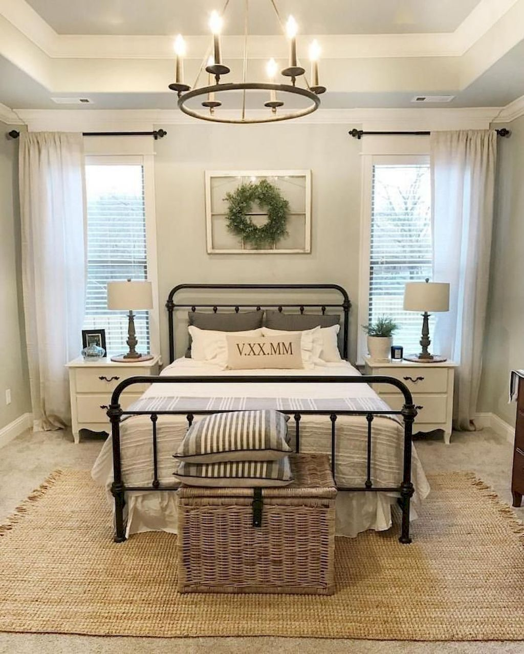 AWESOME FARMHOUSE RUSTIC MASTER BEDROOM IDEAS 37