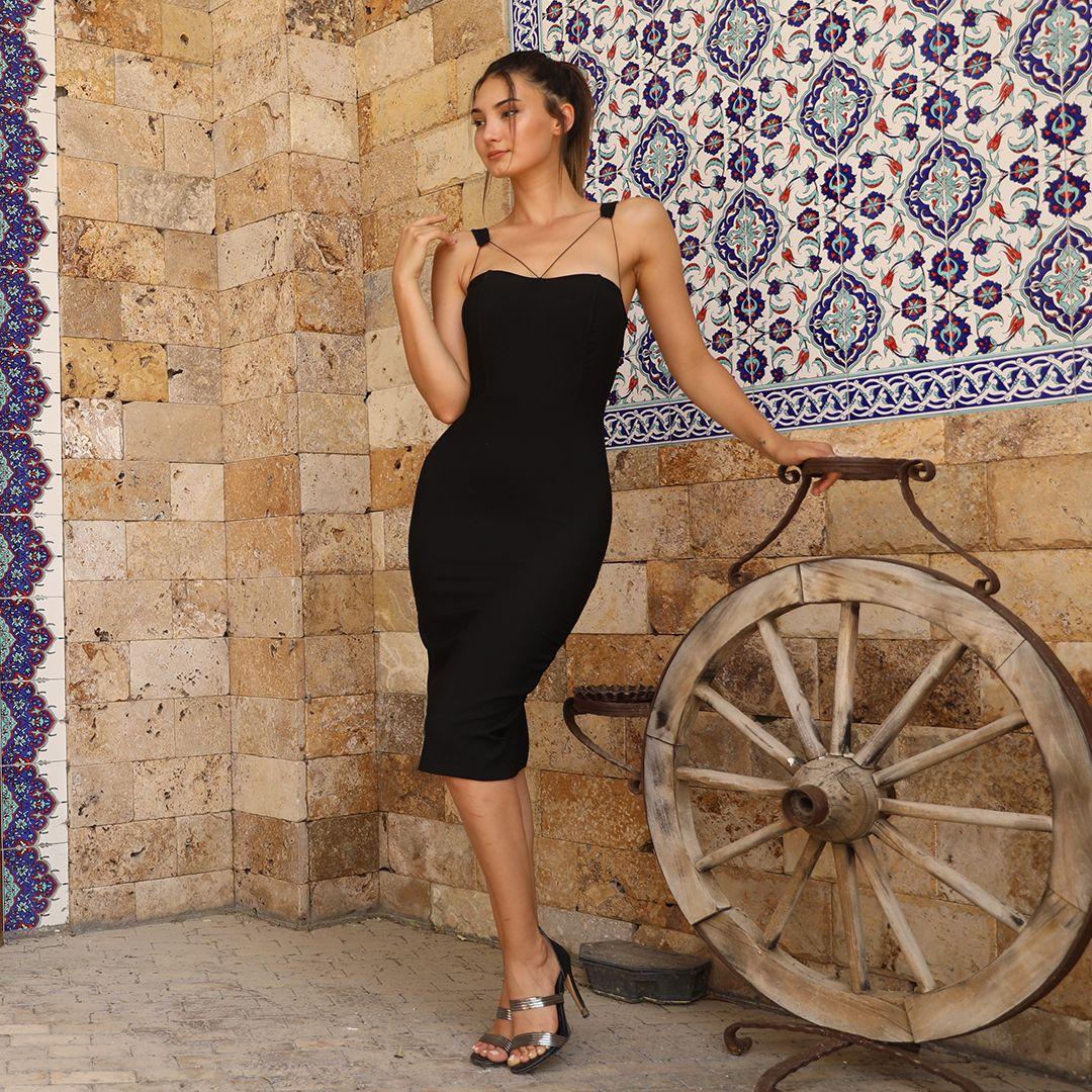 Tekrar Stokta 59 90tl Omuz Puskullu Siyah Kalem Elbise Tek Renk S M L Beden Bilgi Ve Siparis What Unlulerin Giydikleri Moda Stilleri Kalem Elbise