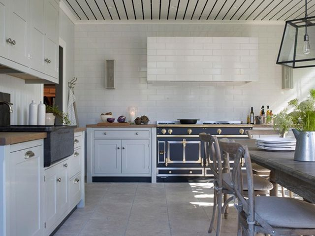 La Cornue Kitchen Distressed White Table Notes For Nesting Pinterest And Over A Century French Company Has Been Making The Most Beautiful Luxurious European Style Ranges It S Honestly Art In Form Of