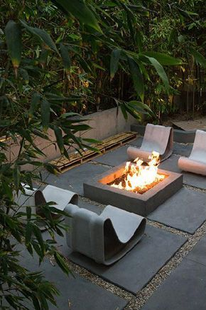 Un Coin Cheminee Dans Le Jardin With Images Backyard Fire