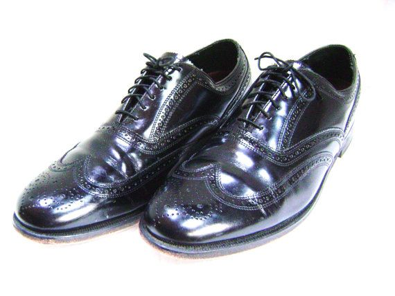 Hold Reduced Vintage Oxford Wingtip Shoes Black Classic Florsheim Man Size 11 D Pristine Perforated Mad Men Executive Wedding Groom Prom With Images Wingtip Oxford Shoes Black Shoes