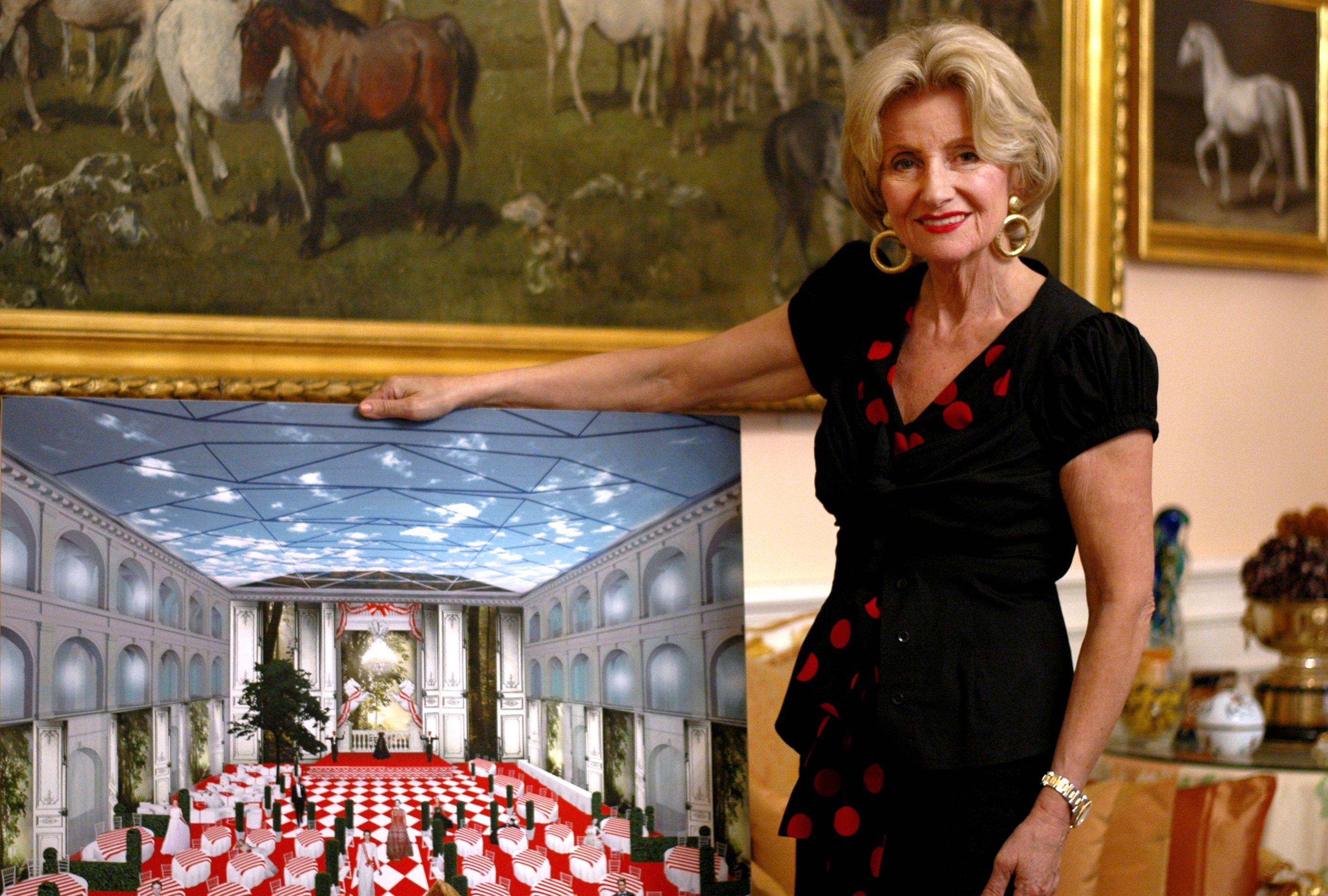 Elisabeth Gürtler, Generaldirektorin der Spanischen Hofreitschule und Veranstalterin der Fête Impériale, im Gespräch mit dem FÖHR-Goldstuhl