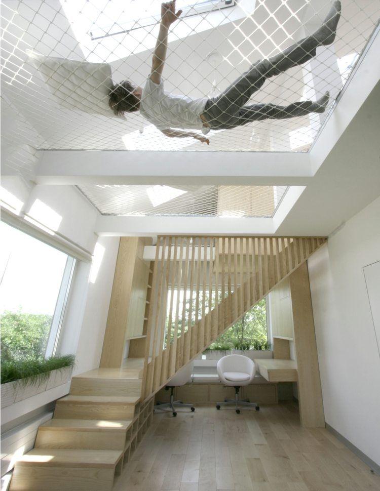 Escalier Compact Et Aménagement Grande Hauteur Sous Plafond Avec Filet Hamac