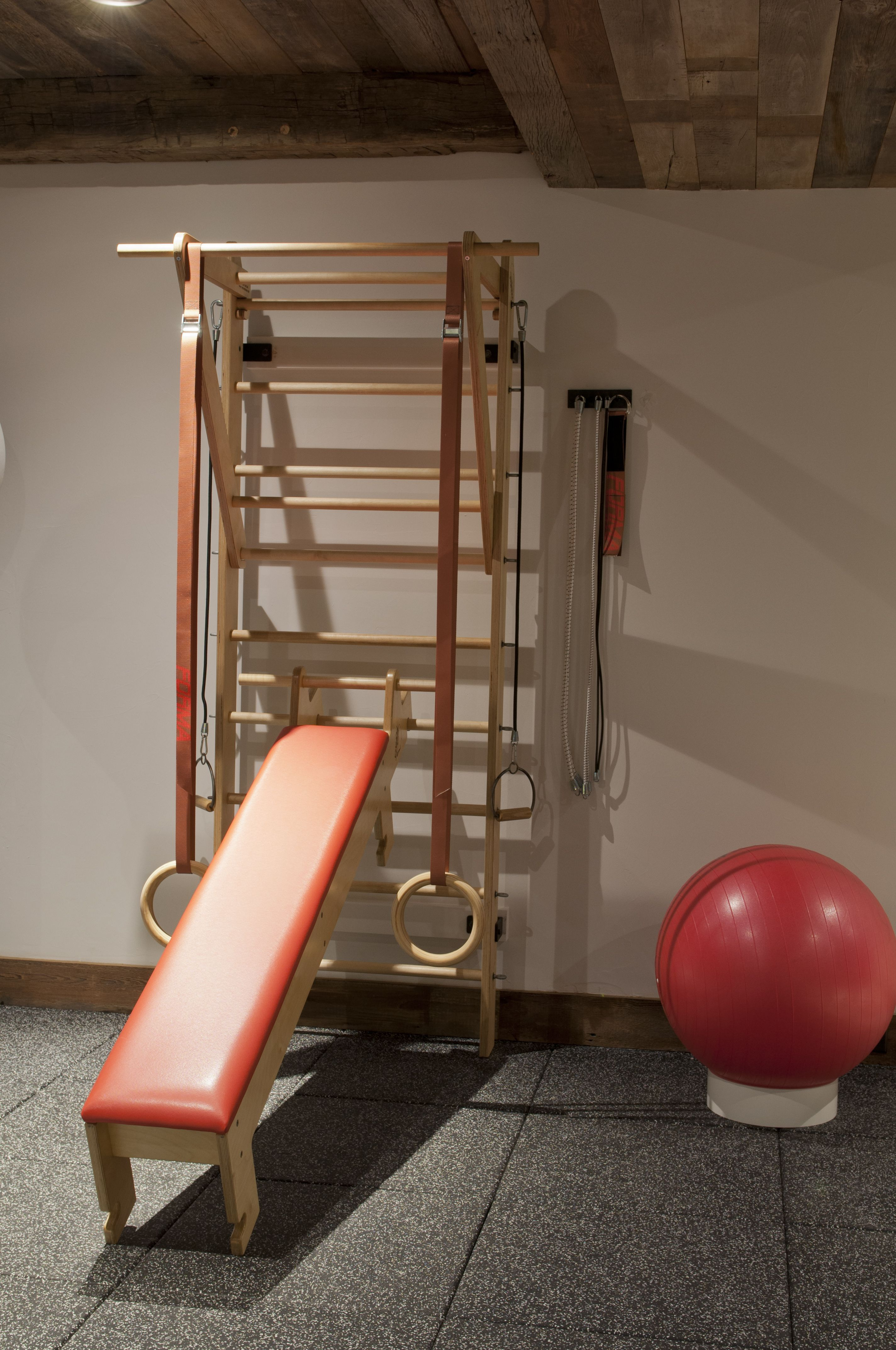 Stall bars swedish ladder forma totus christof prus