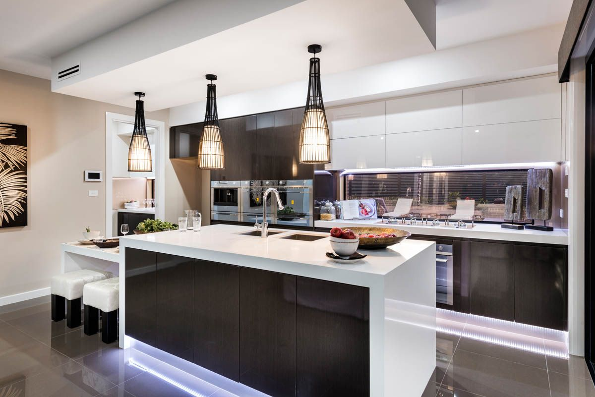 Mayfair Homes 2141 Snow #kitchen #design #inspiration