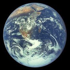 Die Erde vom Weltall aus gesehen..Wehr hat sie geschaffen?