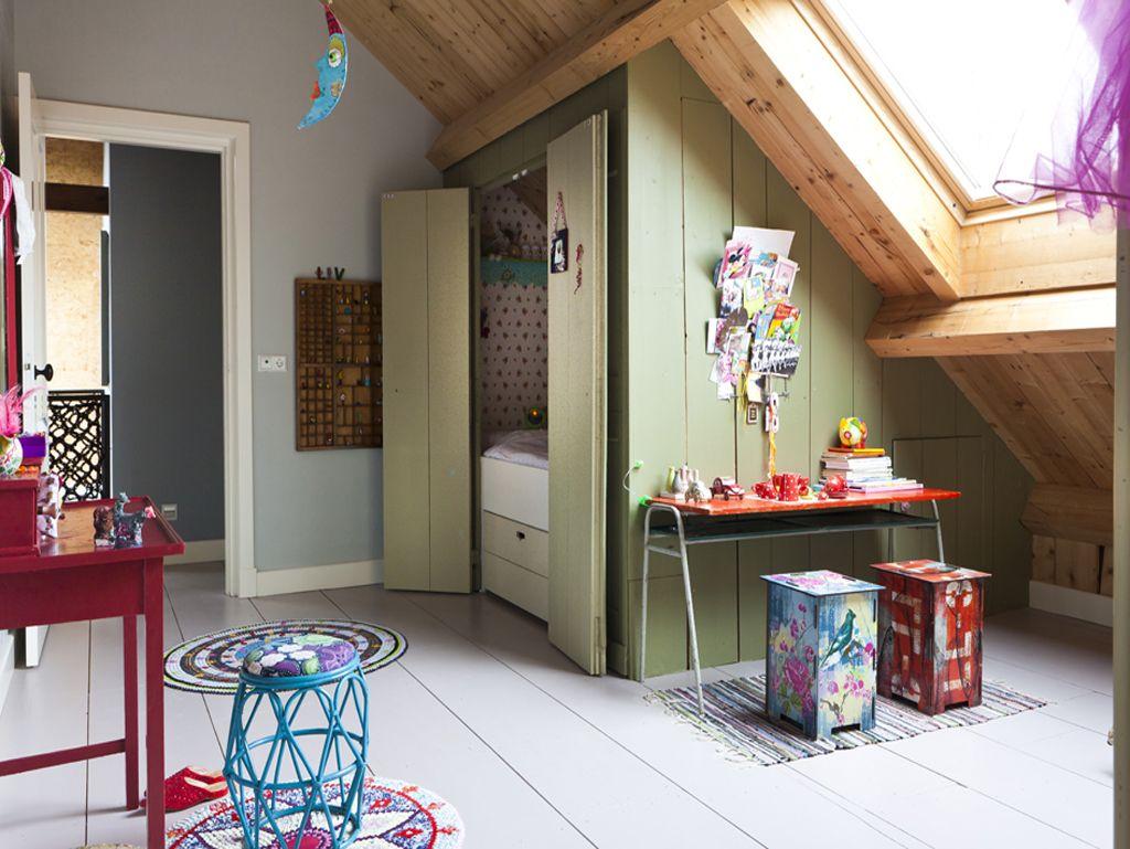 Mooie Kinder Slaapkamers : Weer zo´n mooie bedstee voor onder de schuine wand * zolderkamer