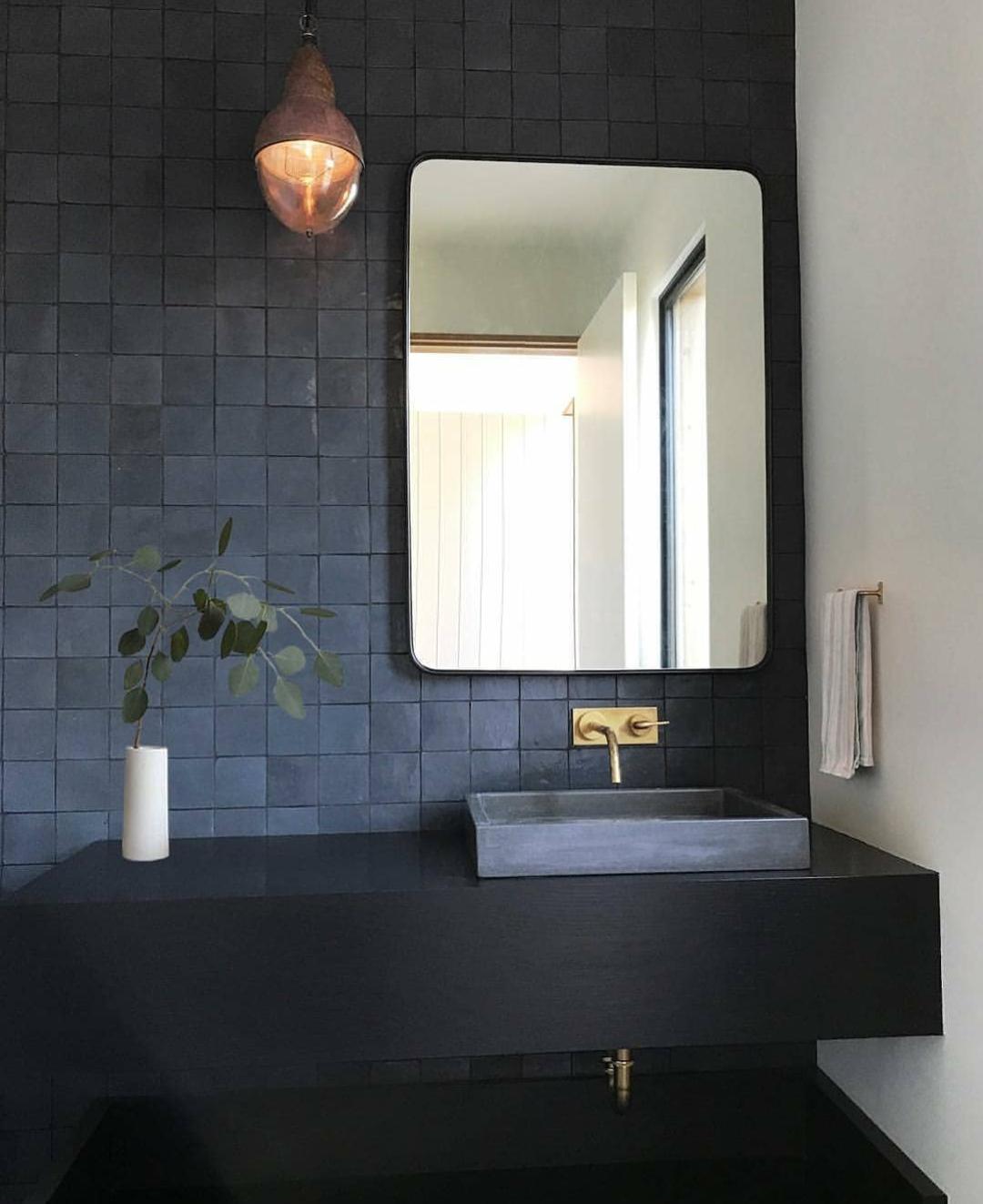 Modernes Badezimmer Großflächiger Trend Fugenlose Bäder 2018: Pin Von Bettina Mathis Auf Hübsche Badezimmer