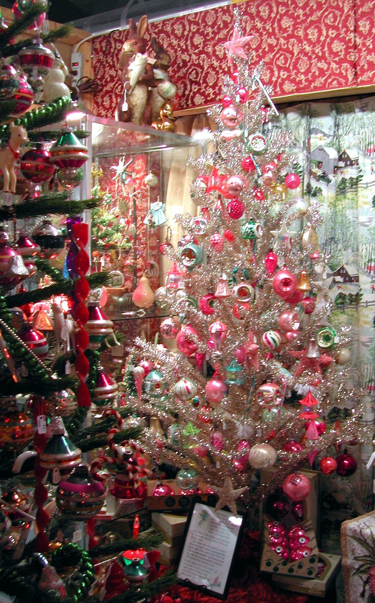 vintage christmas tree tinsel town christmas vintage christmas christmas tree decorations. Black Bedroom Furniture Sets. Home Design Ideas