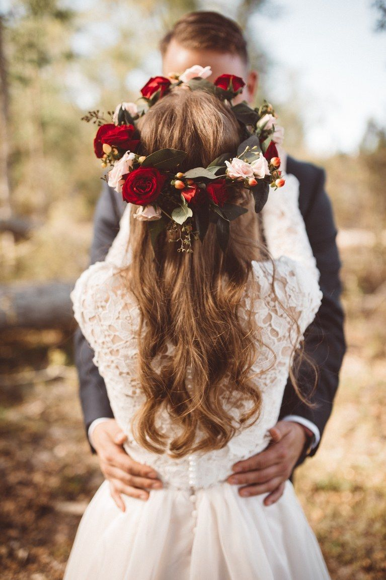 Romantic flower crown wedding crowns pinterest romantic 31 flower crown hairstyles for your wedding izmirmasajfo