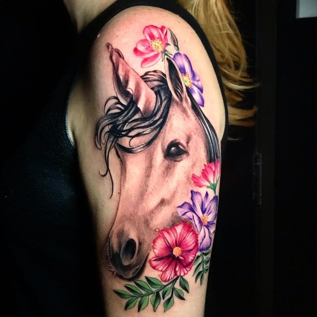 Epingle Sur Tatouage Licorne