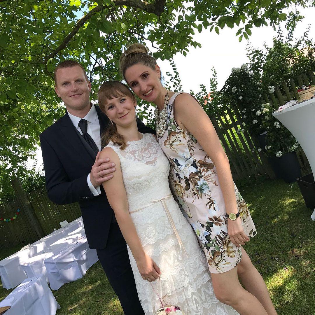 Heute Durfte Ich Nicht Nur Das Brautpaar Und All Ihre Lieben Gaste Durch Die Zeremonie Begleiten Heute Waren Zwei Wedding Dresses Lace Wedding Dresses Dresses