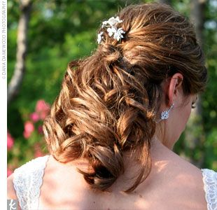 Real Weddings Carrie Stephen A Traditional Wedding In Omaha Ne The Hair Junior Bridesmaid Hair Trendy Wedding Hairstyles Wedding Hairstyles