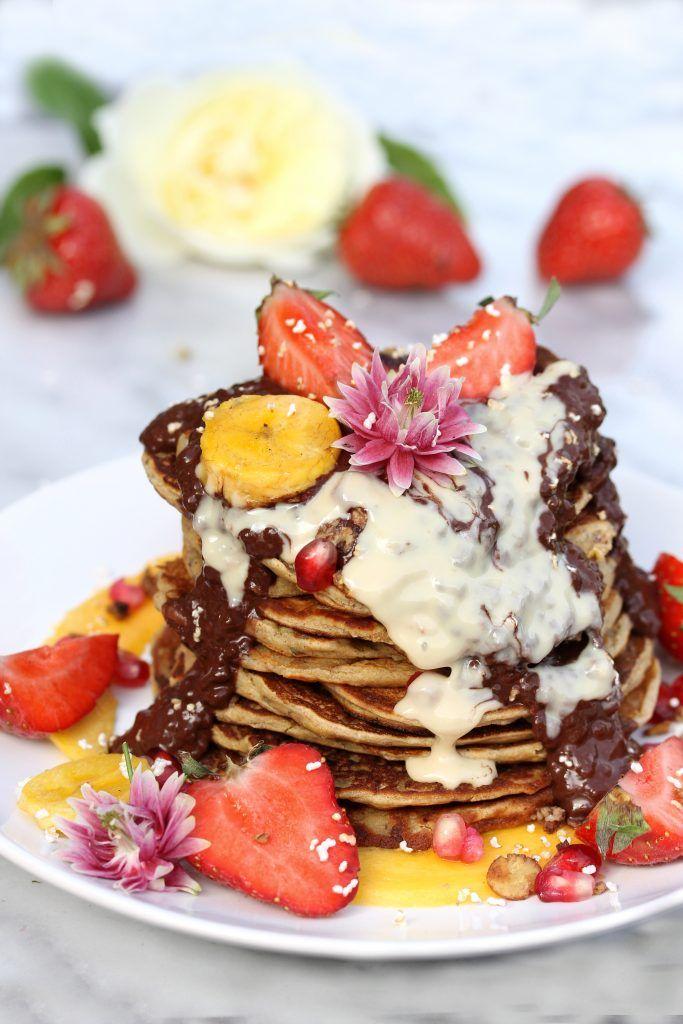 Healthy Pancakes for Breakfast with fresh fruit- Truefoodsblog