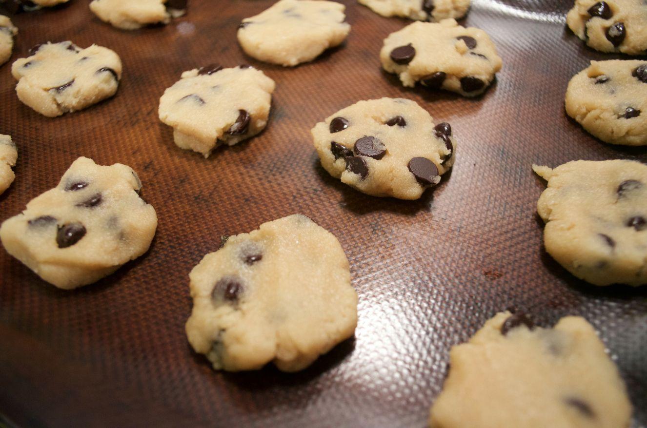 The Easiest Paleo Chocolate Chip Cookies