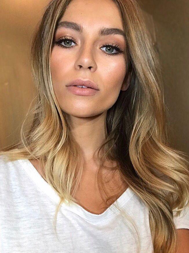 Dewy Makeup Nikki Makeup In 2020 Hair Makeup Dewy Makeup Prom Makeup Looks