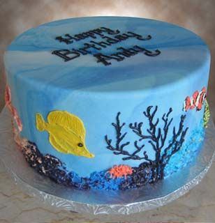Elaborate round cakes from alpha delights green bay area for Fish tank cake designs