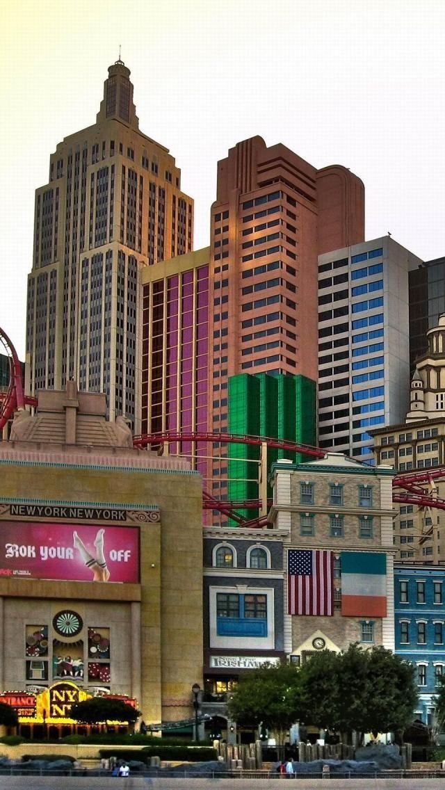 New York New York Hotel Casino Las Vegas Nv Www Findinghomesinlasvegas Com With Images Hotel Casino Las Vegas Las Vegas Los Angeles Las Vegas Architecture