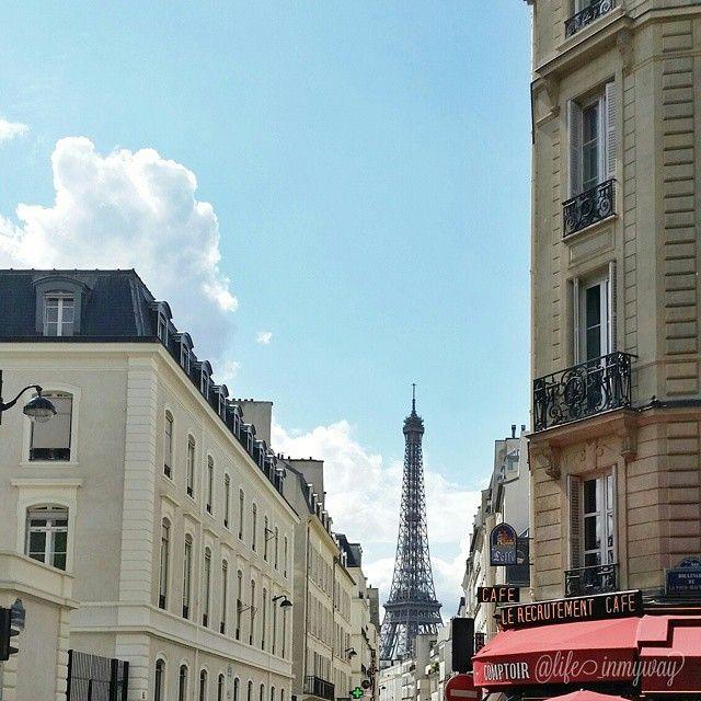 """""""Stia attenta a quella citta"""", aggiunse. """"Nessuno torna da Parigi senza averci lasciato il cuore"""" (Cit. Daniela Farnese ~ Via Chanel n5)"""