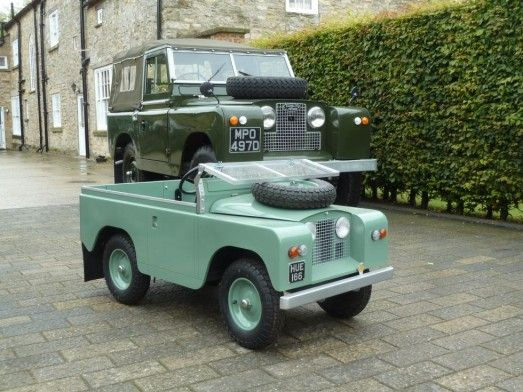 2 Land Rovers Delivered to Mike & Sarah in York - Land Rover Centre