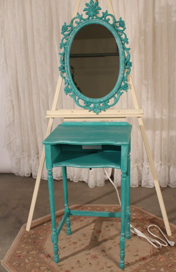 Shabby chic usb charger accent table mirror ensemble in for Arredamento shabby chic firenze