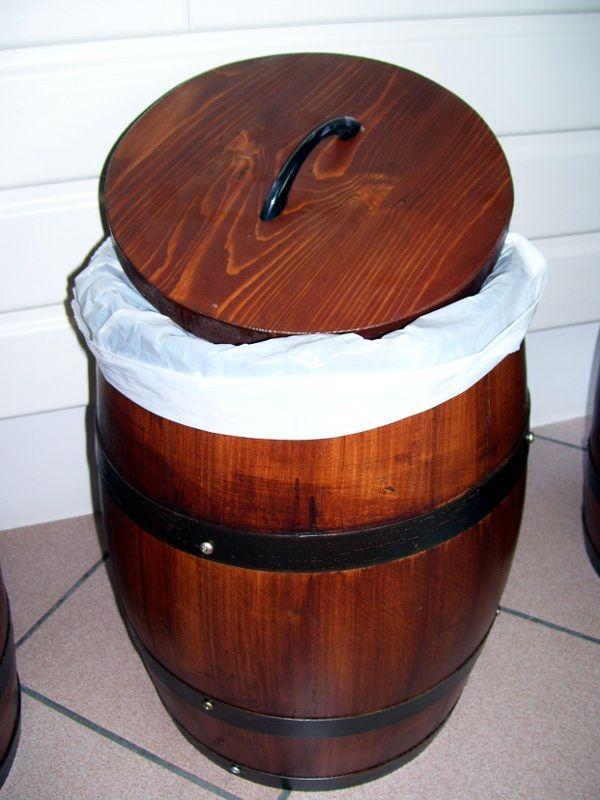 Pattumiere da botti in legno legno e arredamento for Botti in legno per arredamento