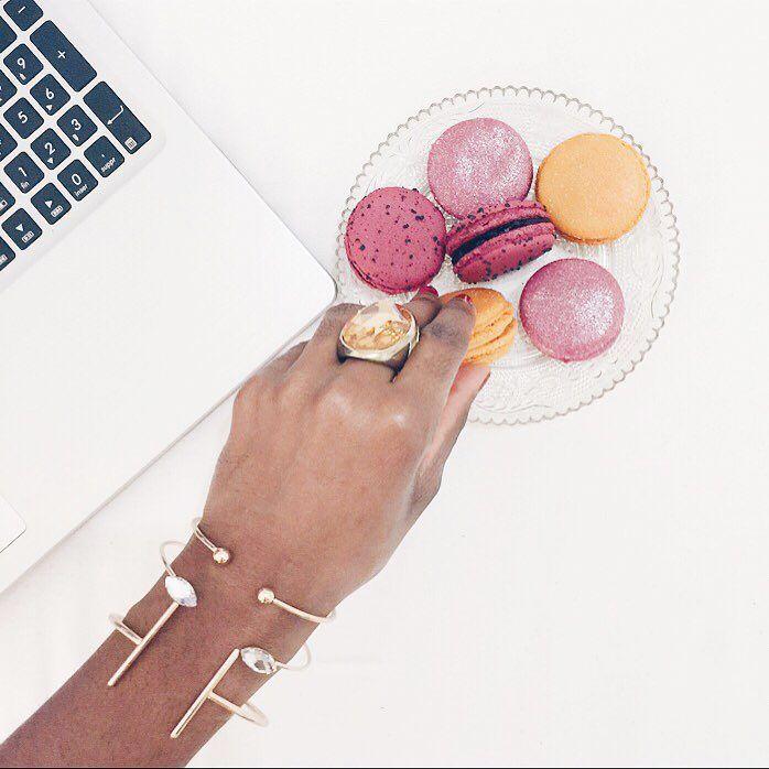 On commence la journée avec de bons macarons de #richart : orange sanguine framboise-mûre et cassis   Belle journée  by lyonnaisesnextdoor_