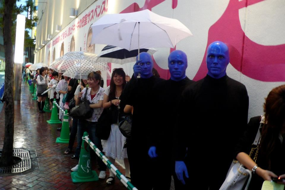 Waiting in line bluemangroup japan (With images