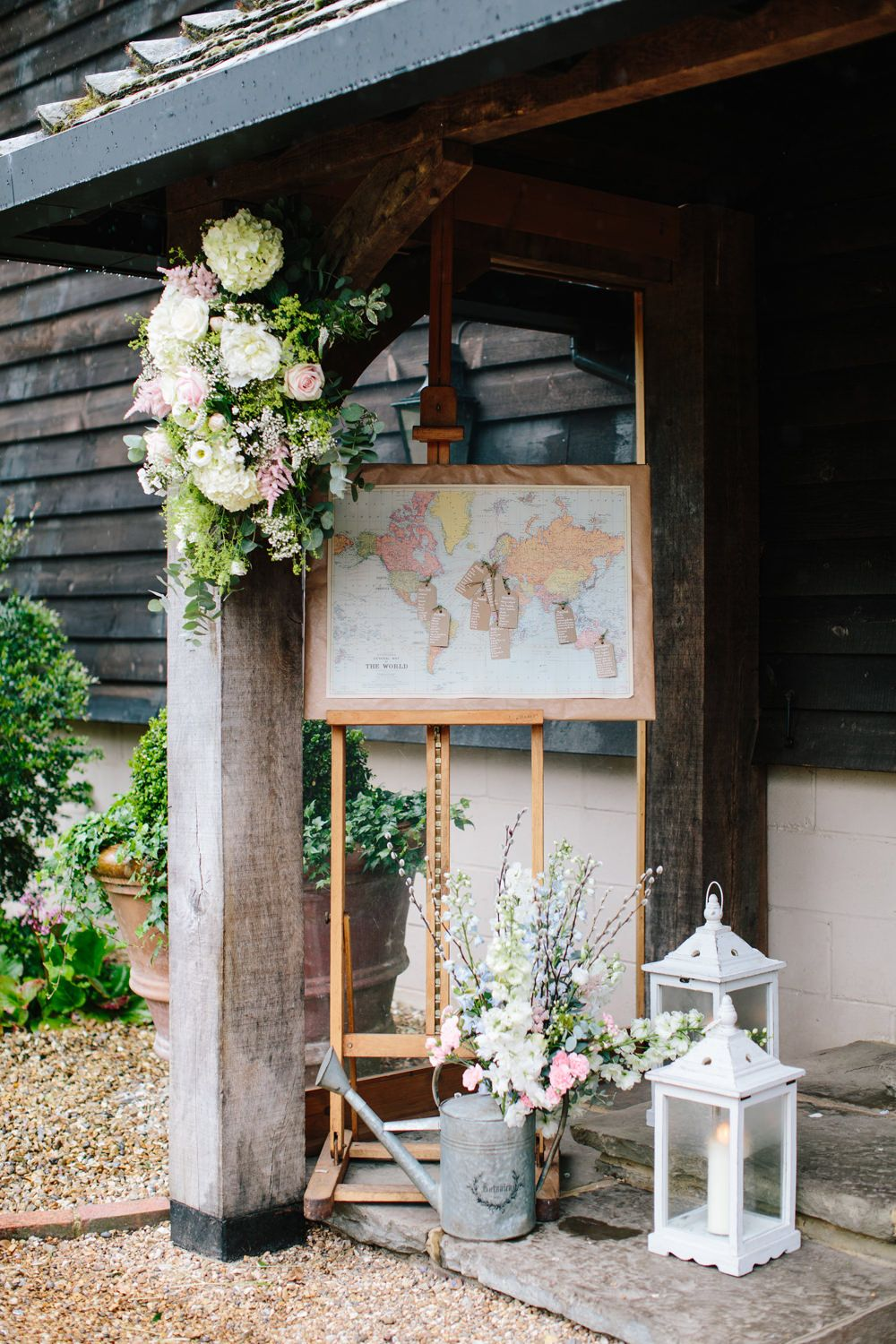 Classic Wedding At Gate Street Barn Surrey With Bride In Naomi Neoh