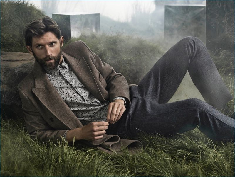 1026141eac0 Aquascutum heads outdoors for its fall-winter 2018 campaign. The label  enlists photographer Victor Demarchelier to capture the season. The Northern