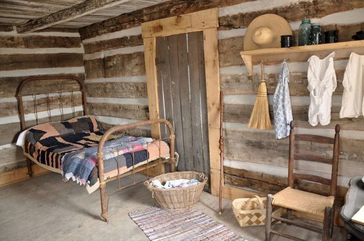 Old Cabin Primitives | Freedom Seekers cabin | Primitive Decor :) | Pinterest