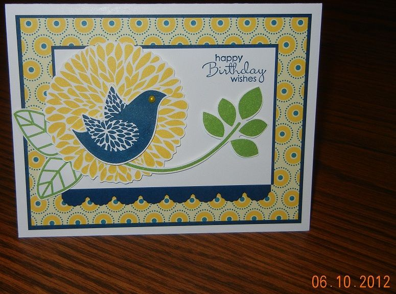 'Betsy's Blossoms' and 'Petite Pairs' Stamp Sets, Summer Smooches DSP, Adorning Accents Edgelits