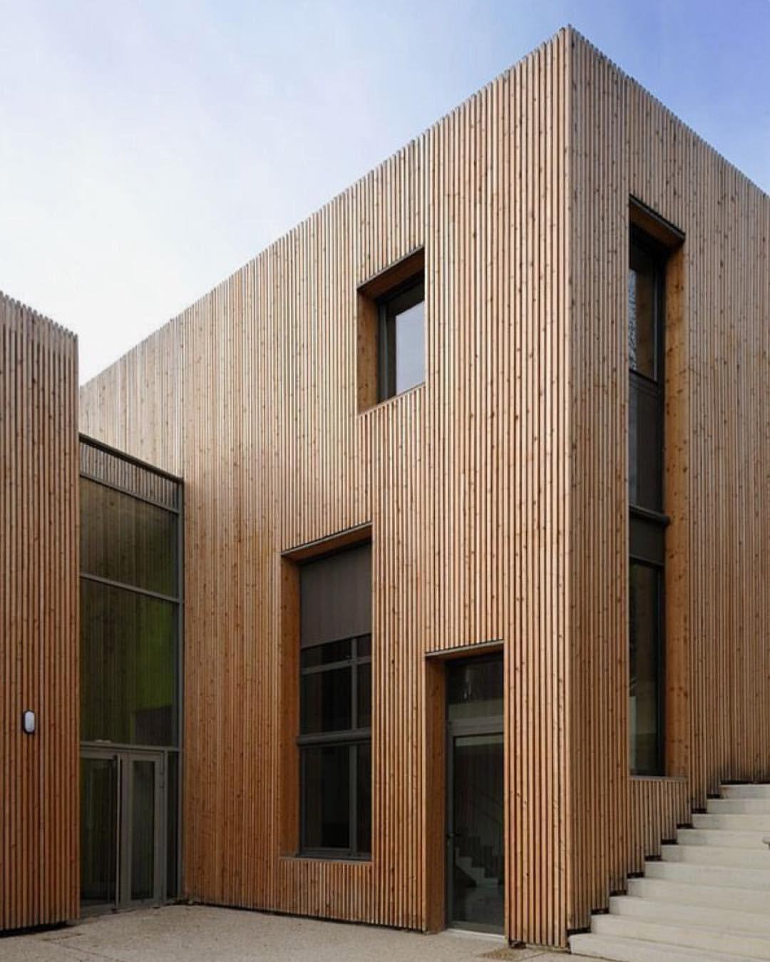 Design Interiors Architecture Thelocalproject On Instagram Vertical Timber Panelling Rg Aa7seve Moderne Architektur Fassadengestaltung Architektur Haus