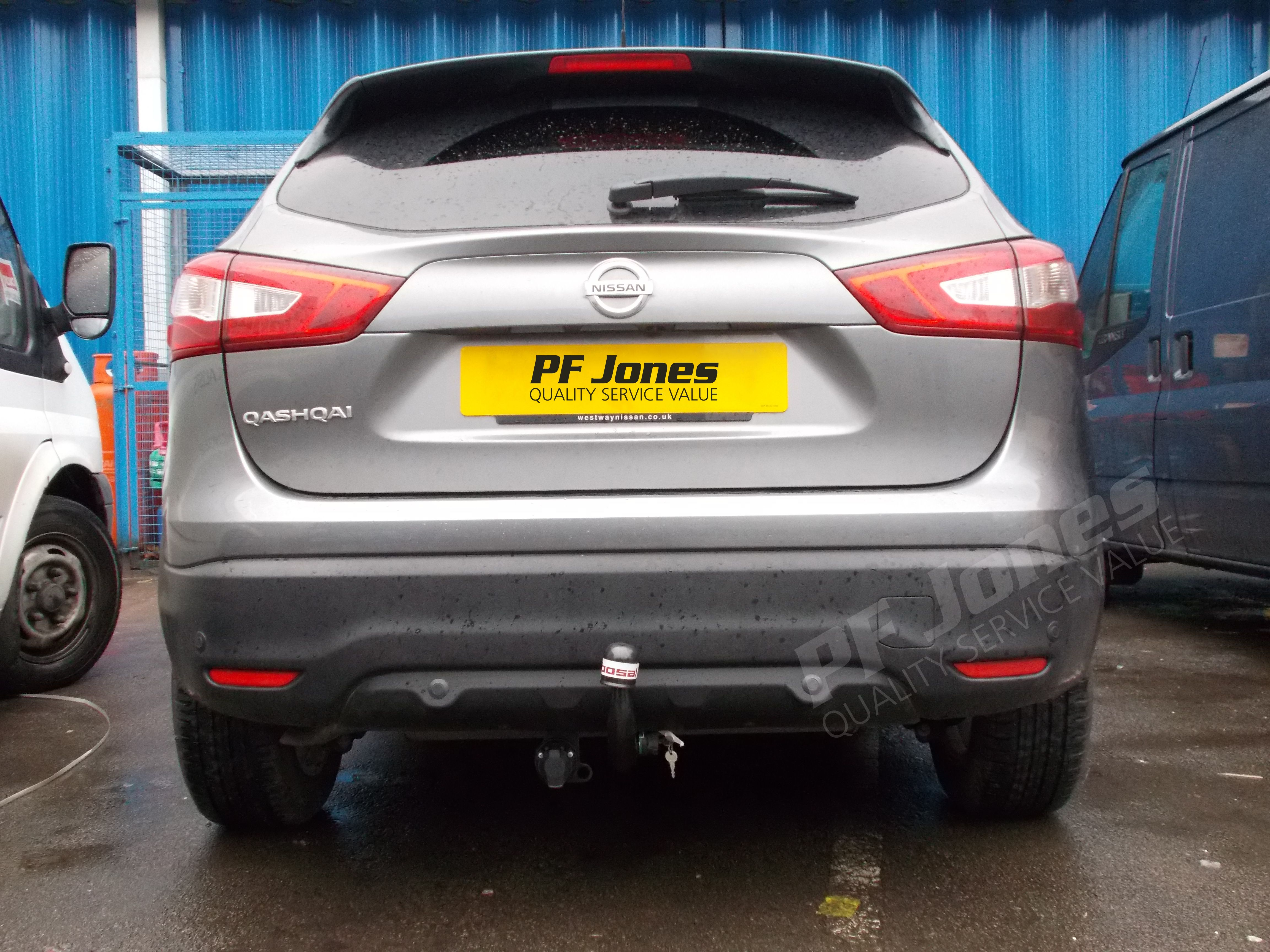 Nissan qashqai 2016 fitted with a bosal detachable swan neck 050 613 towbar