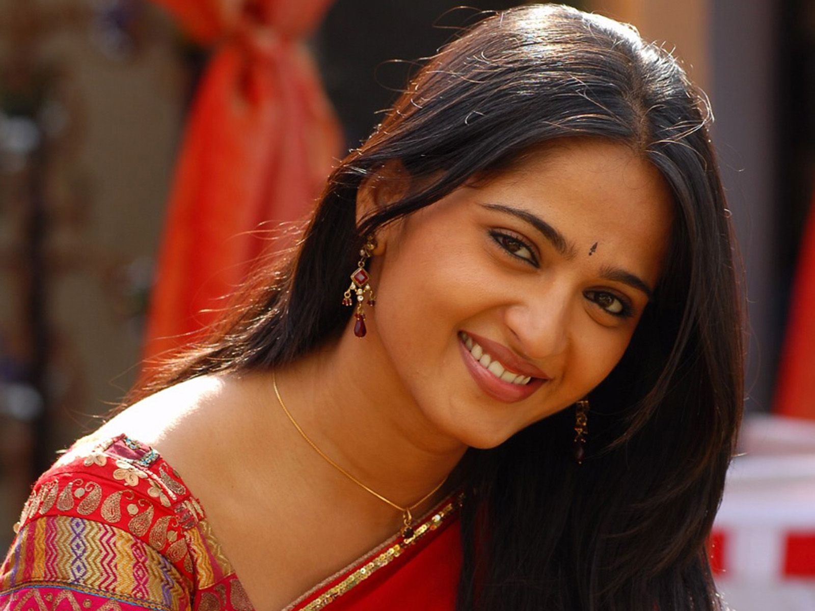 South Indian Actress Hd Wallpapers Free Download On Share Online