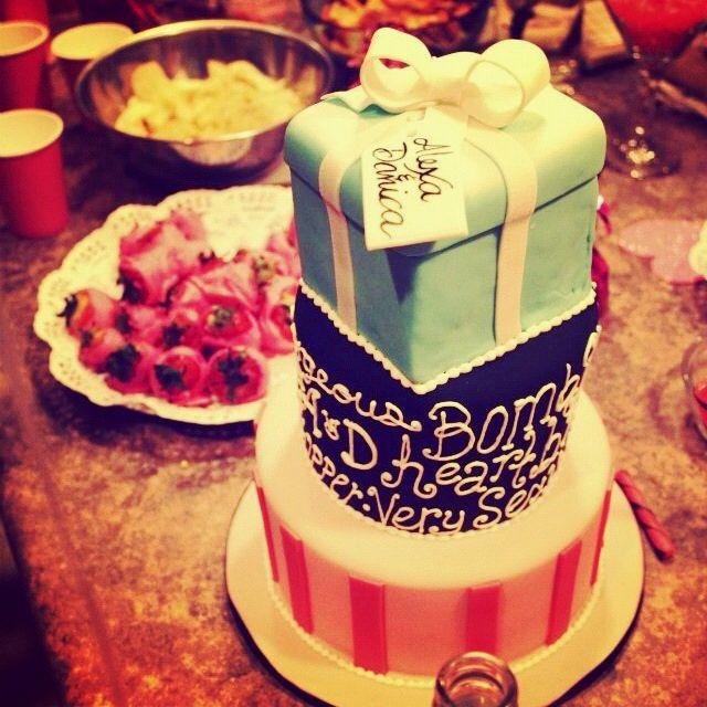 the beautiful birthday cake !