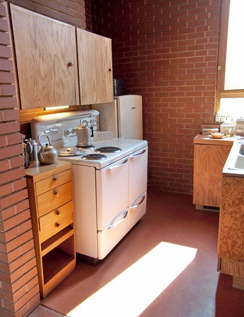 classic kitchen frank lloyd wright s pope leighey house kitchen lloyd wright frank lloyd. Black Bedroom Furniture Sets. Home Design Ideas