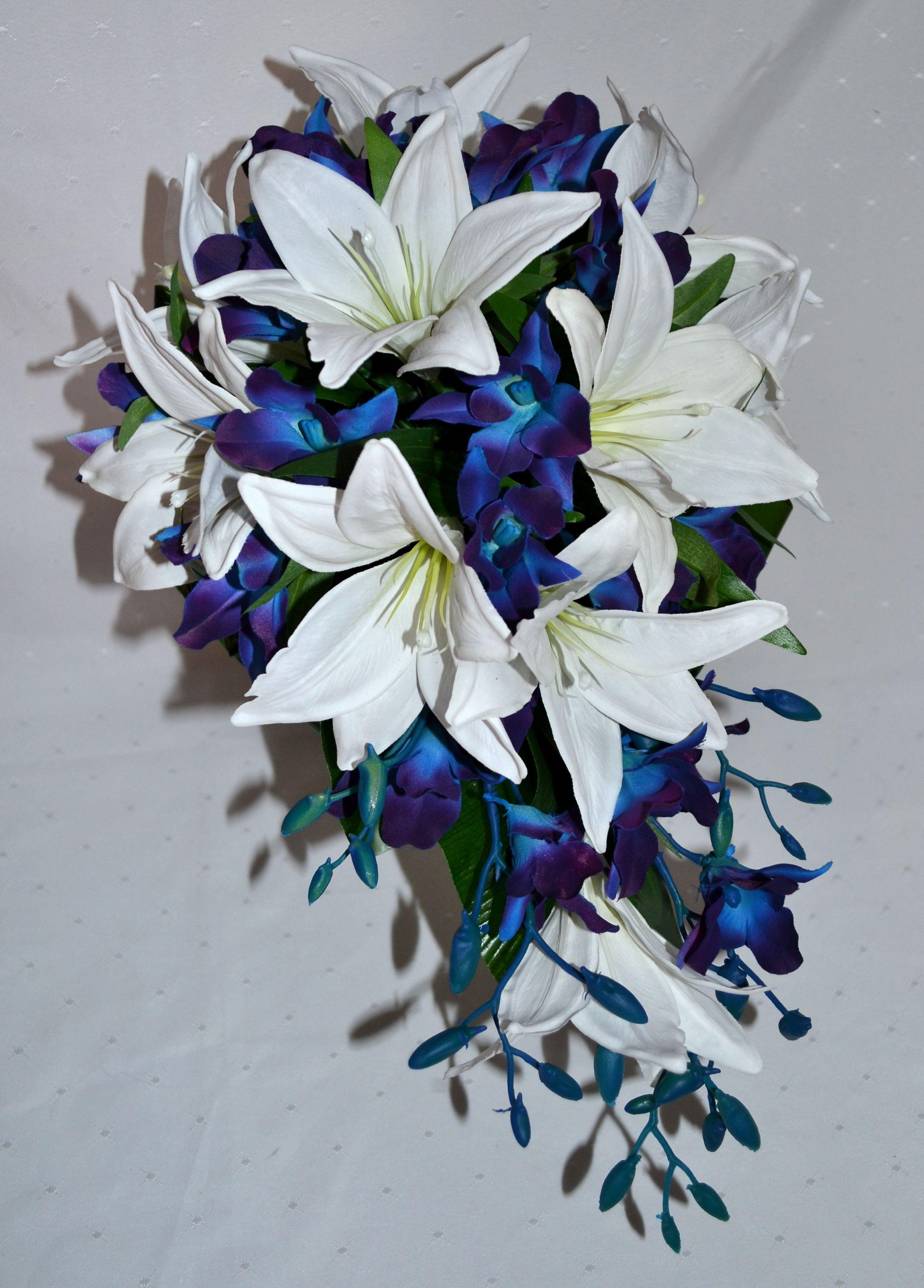 зори букет из синих лилий фото современного дизайна, мебель