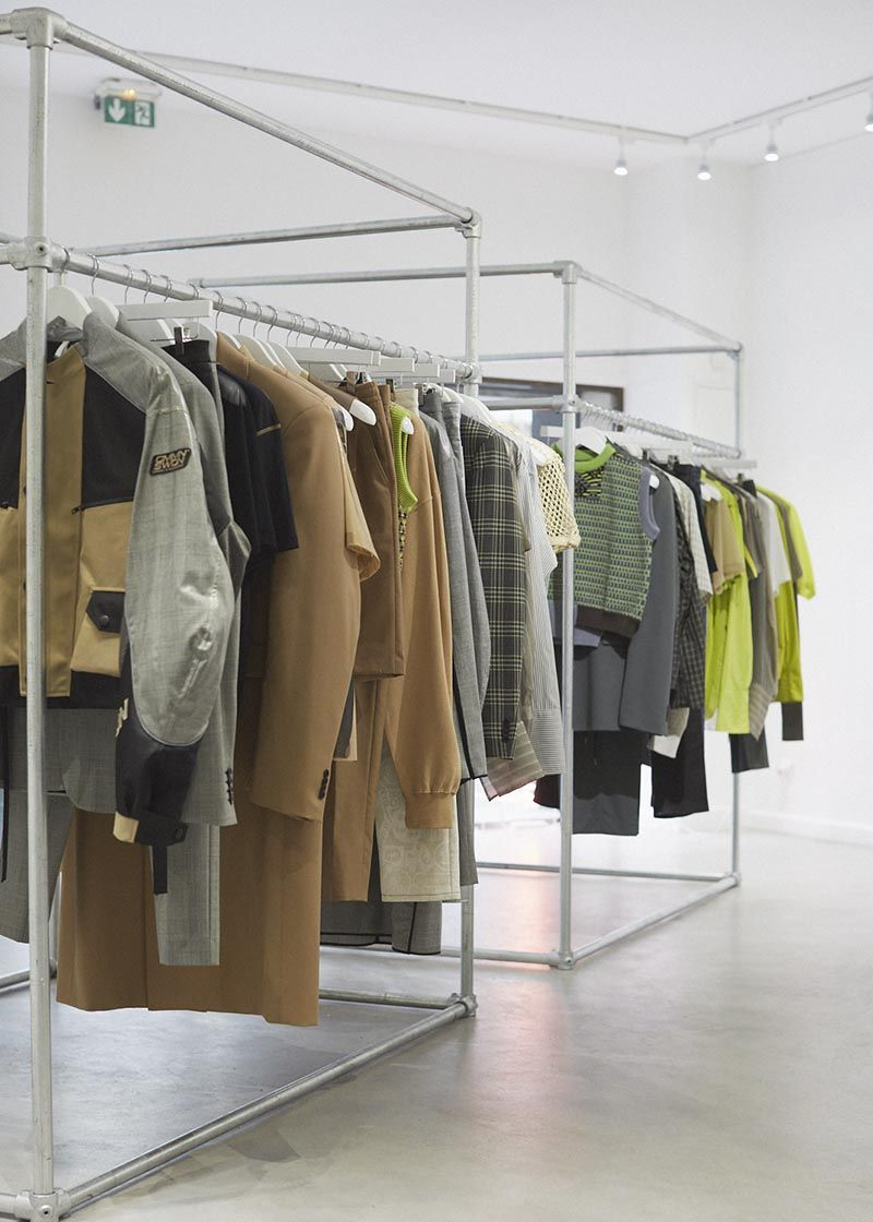 Boutique Made Paris Close Up Of The Simplified Uk Heavy Duty Clothing Rails For A Pop