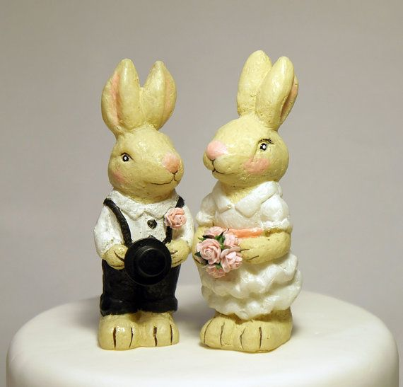 Rabbit wedding cake topper, Beatrix Potter inspired wedding cake ...