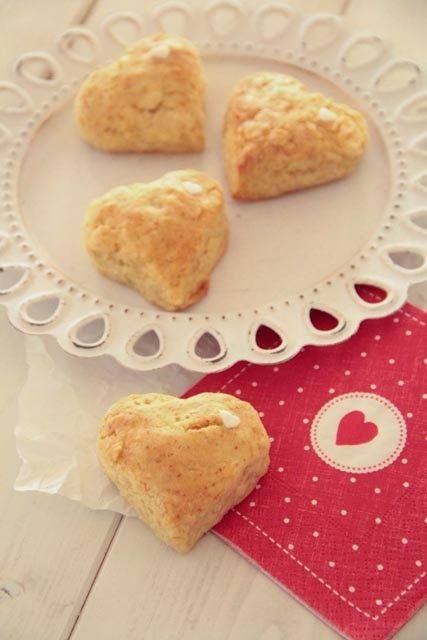 Valentine's Scones 〖Marzipanherzen〗