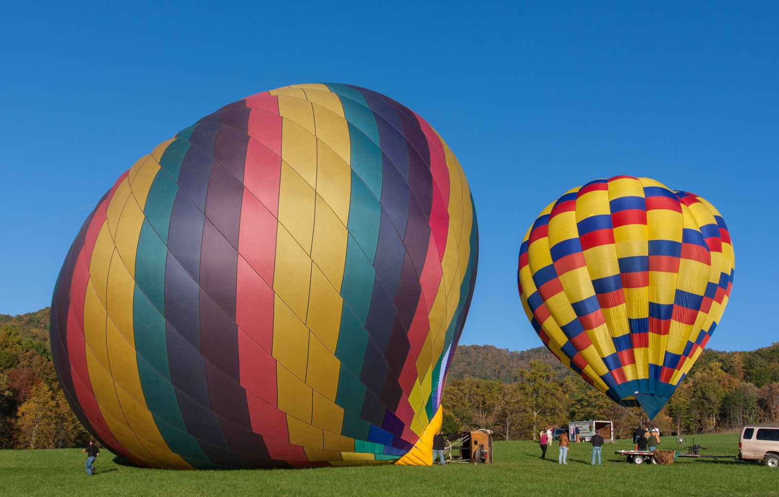 Hot Air Balloons Inflating (With images) Outdoor