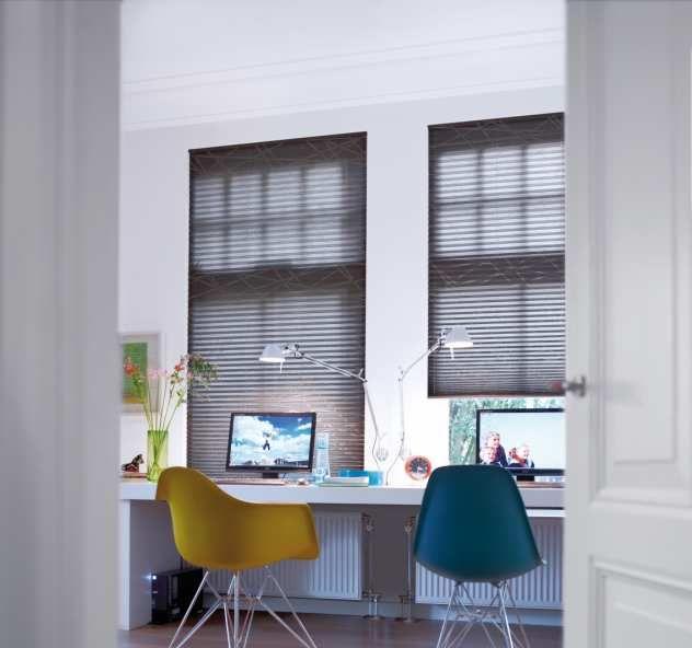 Flexi Jalousien plissees in grau im arbeitszimmer mit puristischen stil