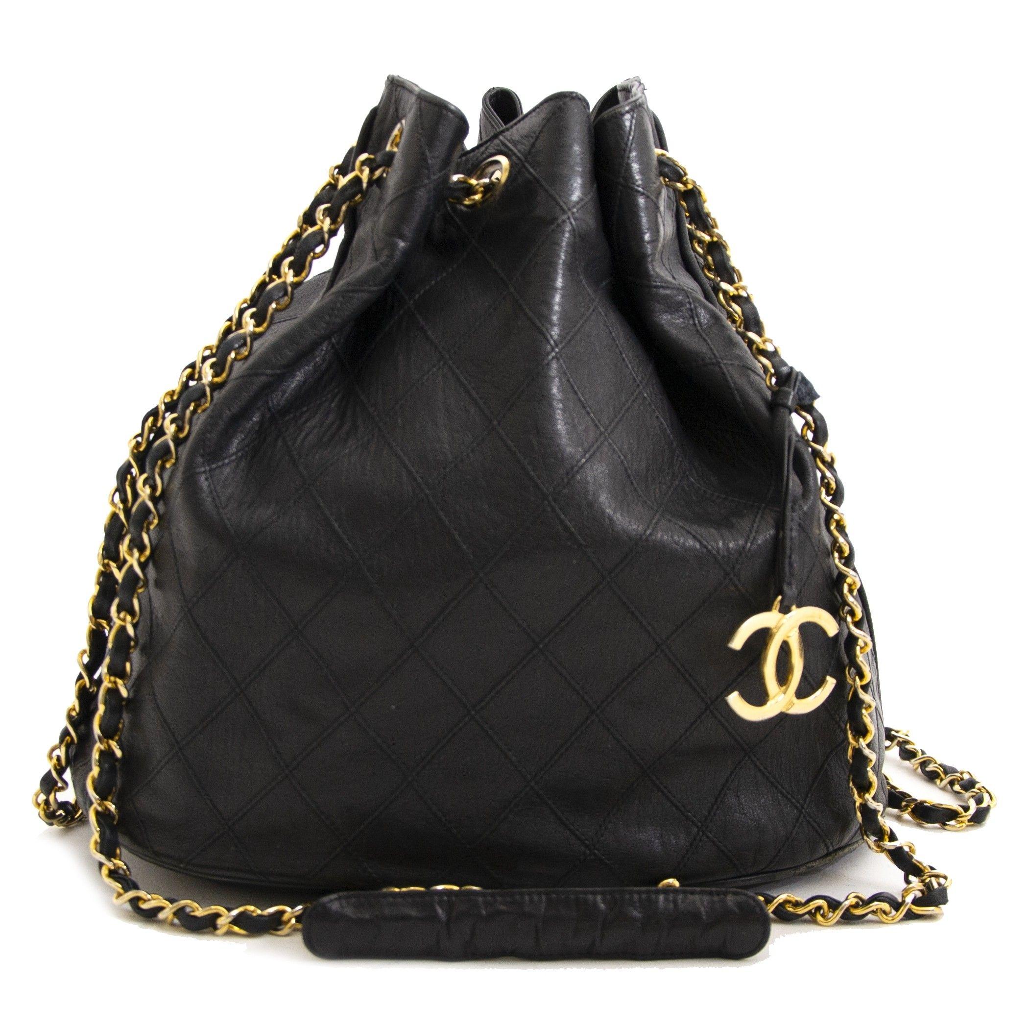 6a4bf231b4e8a7 Chanel Black Leather Bucket Bag   Shop Labellov in 2019   Black ...